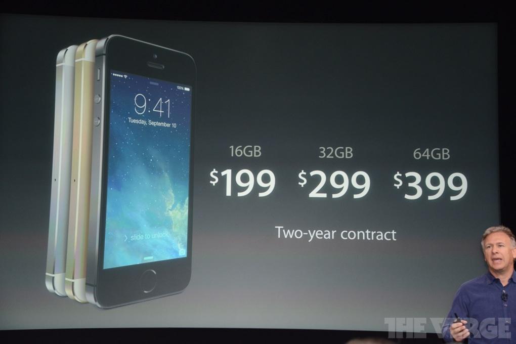 """K iPhonu budou k dostání krásné kožené zadní kryty. Apple však v nabídce  ponechal iPhone 4S zadarmo ke kontraktu. Proč vynechal """"pětku"""" je jasné 0df7b5eee87"""